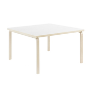 Tisch von Alvar Aalto