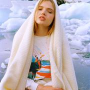 'Eternal Deer'-Sweater von G.Kero
