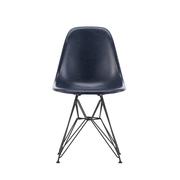 'Eames Fiberglass Side Chair' mit Draht