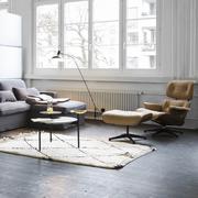 'Eames Lounge Chair' in Nussbaum schwarz pigmentiert