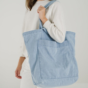 Grosse Tote aus Light Denim
