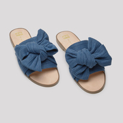 Slide-Sandalen mit Denim