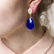 Ohrring mit blauem Chalcedon