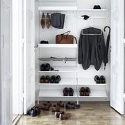 Garderobe von 'String'