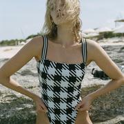 Schwarzweisser Badeanzug von 'Solid & Striped'
