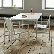 Tisch 'Flow' für draussen