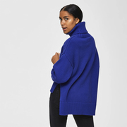 Statement-Strickrolli in Royalblau