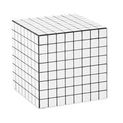 Hocker und Objekt 'Cube'