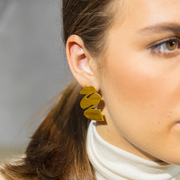 Schwungvolle Ohrringe von 'Claudia Nabholz'