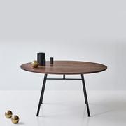 Runder Tisch 'Corduroy'