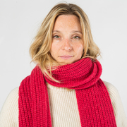 Warmweicher Strickschal von 'Closed' in Ruby