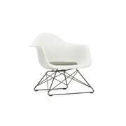 'Eames Plastic Armchair LAR' mit Sitzpolster
