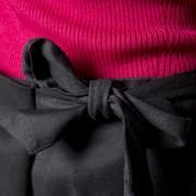 Feminine Woll-Hose mit Schleife