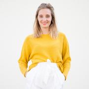 Nachhaltiger Strick-Sweater in Gelb