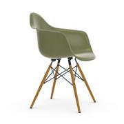 'Eames Fiberglass Armchair DAW'