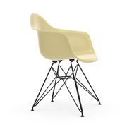 'Eames Fiberglass Armchair DAR'