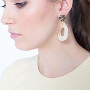 Organische Ohrhänger von 'Claudia Nabholz'