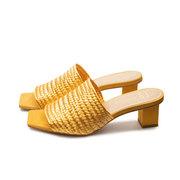 Gelbe Slide-Sandale von 'E8 by Miista'