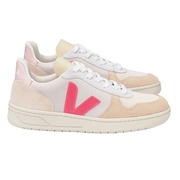 Roséfarbener 'V-10' von Veja mit Wildleder