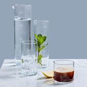 Trinkglas 'Halbvoll'