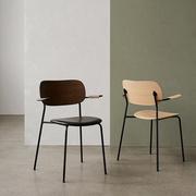 Co Chair von 'Menu' mit Armlehne