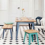 Tisch '6Grad' mit Holz