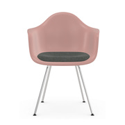 'Eames Plastic Armchair DAX' mit Sitzpolster