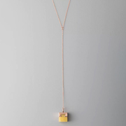 Halskette mit Anhänger von 'Studio Yàn'
