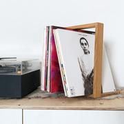 Plattenständer 'Shelf b'