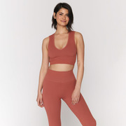 Sport.les for Spiritual Gangster: Top in Rust