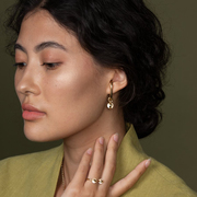 Drop Earhugger Ohrring von 'Hana Kim'