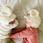 Süsse Babymütze 'Mickey' von Petit Mai
