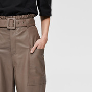 Wow-Piece: 'Paperbag'-Lederhose in Braun