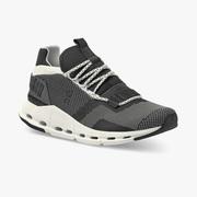 Lieblingssneaker: 'Cloudnova' in Black & White für Sie