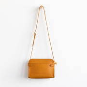 Lieblingsbegleiter: 'Anthology'-Ledertasche in Ocre