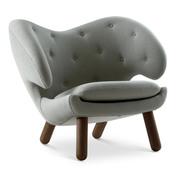 'Pelican Chair' mit Knöpfen