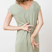 Vielseitiges Jerseykleid von 'Jungle Folk' in Almond Green