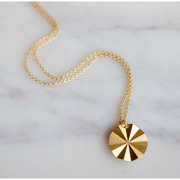 Eyecatcher: Vergoldetes Collier 'Soleil'