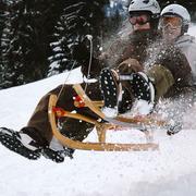 Fürs Skiweekend der echte Familienrodel