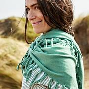 Triangle-Schal aus Kaschmir in Salbei oder Malve