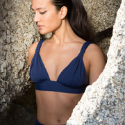 Femininer Bikini 'Sumba' in Wine oder Navy