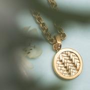 Cooles Glieder-Bracelet mit Talisman
