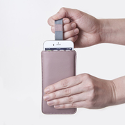 Iphone 6 case dusty rose with hand