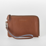 1 simple pouch medium caramel front