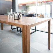 Eleganter Tisch Alfredo von 'Wogg'