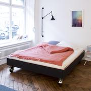 Einzelstück: Bett auf Rollen