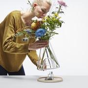 Vase mit Augenzwinkern