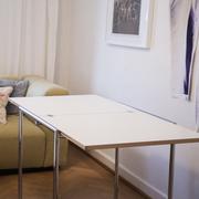 Klassiker: Tisch 'Jean' von Eileen Gray