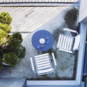 Loungetisch für den Garten
