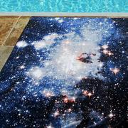 Beachtowel nebulaheic inszeniert2 lowres